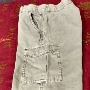 Casual khaki pocket shorts
